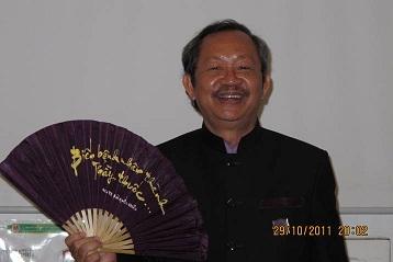 Pr Bui Quoc Chau, inventeur du Dien Chan